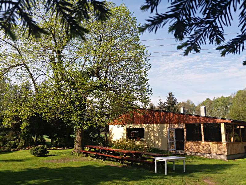 Dom pod Lipą wiosna