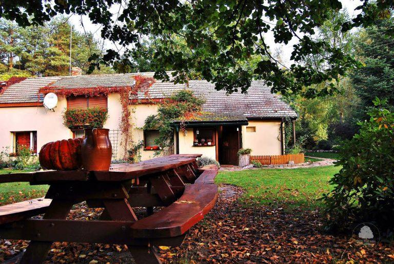 Dom spod lipy - malownicza jesień, fot. Ewa Profaska WNofPH