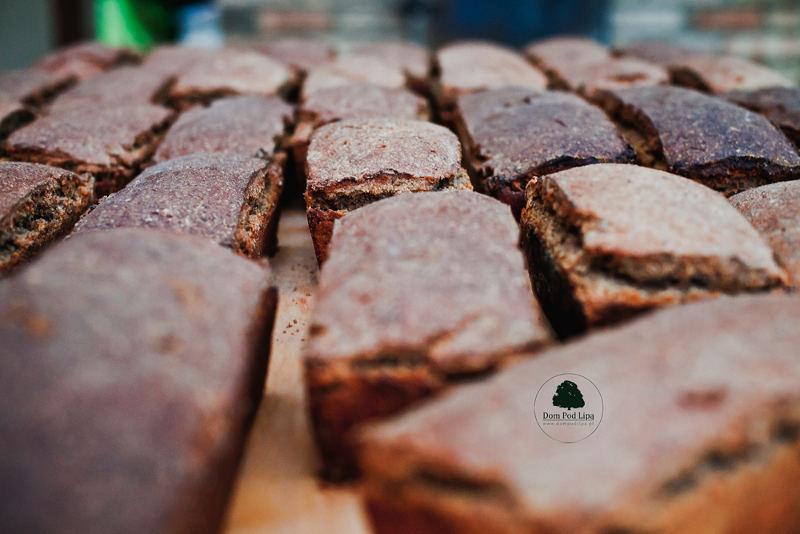chleb żytni na zakwasie piec chlebowy Dom pod Lipą