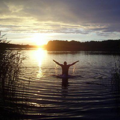 jezioro Chłop zachód Słońca kąpiel, fot. Damian Lip